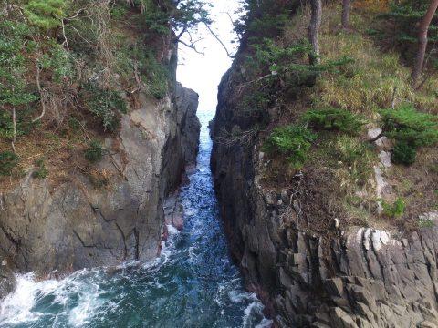 【神割崎】岩間の倒木撤去完了