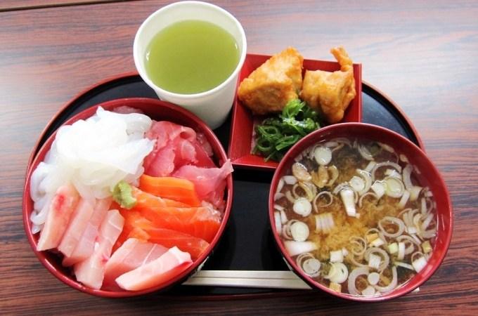 マルアラ及川商店の海鮮丼!!
