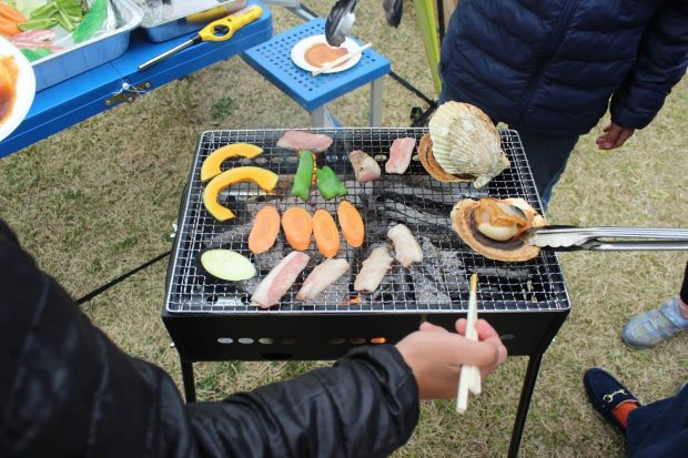 【神割崎キャンプ場】手ぶらで楽しめる「BBQプラン」と「芋煮プラン」