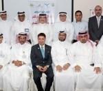 صورة جماعية بعد توقيع الاتفاقية