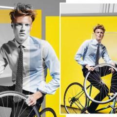 Office Artist : la chemise des hommes heureux d'aller travailler