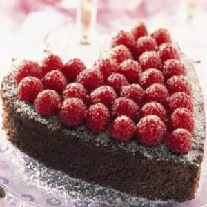 gateau coeur au chocolat et aux framboises  300x300 gateau coeur au chocolat et aux framboises