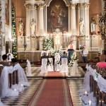 Décorer l'allée de l'église de son mariage