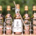 De petites bouteilles pour gâter vos invités de mariage