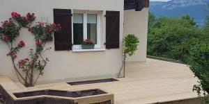 terrasse et jardinière en mélèze