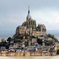 Le Mont Saint-Michel vu depuis un drone