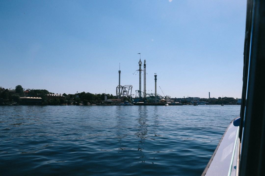 Uitzicht vanaf de boot naar Fjäderholmarna