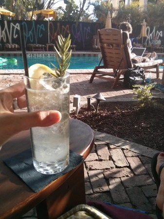Cocktail au bord de la piscine - Miami, Floride