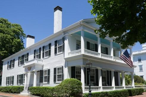Rue des belles maisons de capitaines de baleiniers North Water Street Edgartown Martha's Vineyard