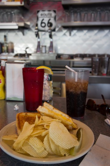 Diner 66 Route 66 Albuquerque Nouveau Mexique grilled cheese and chips