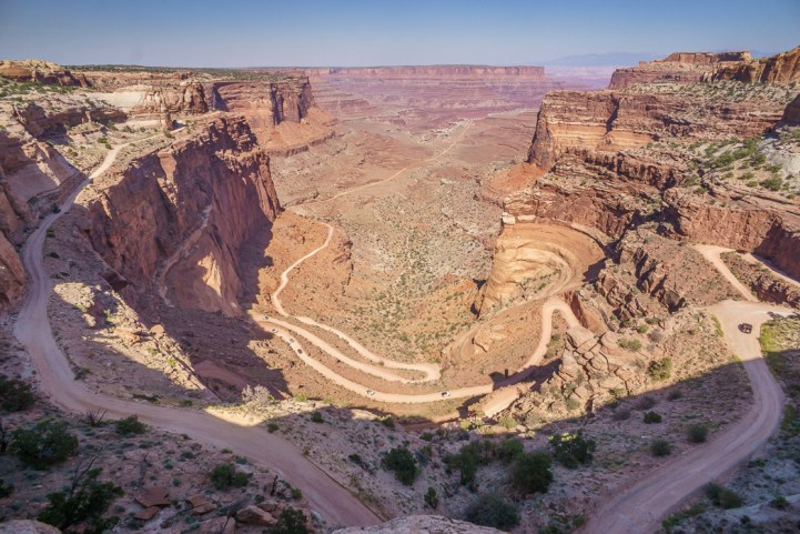 Canyonlands National Park Utah - route sinueuse dans le canyon