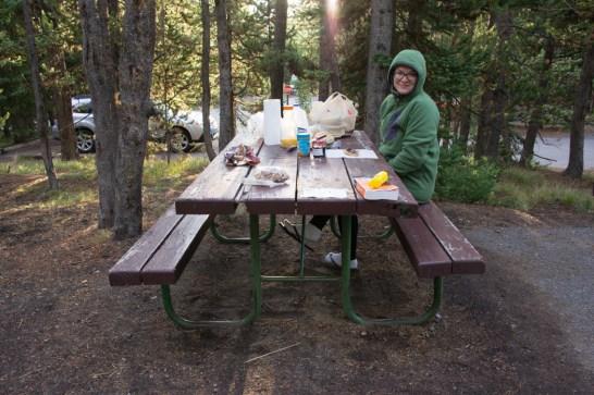 Au camping - la table de camping