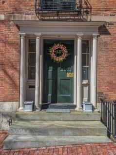 Vivre a Boston - couronnes de fleurs Beacon Hill
