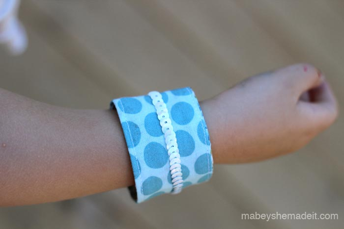 Friendship Cuffs | Mabey She Made It #cuff #sewing #backtoschool