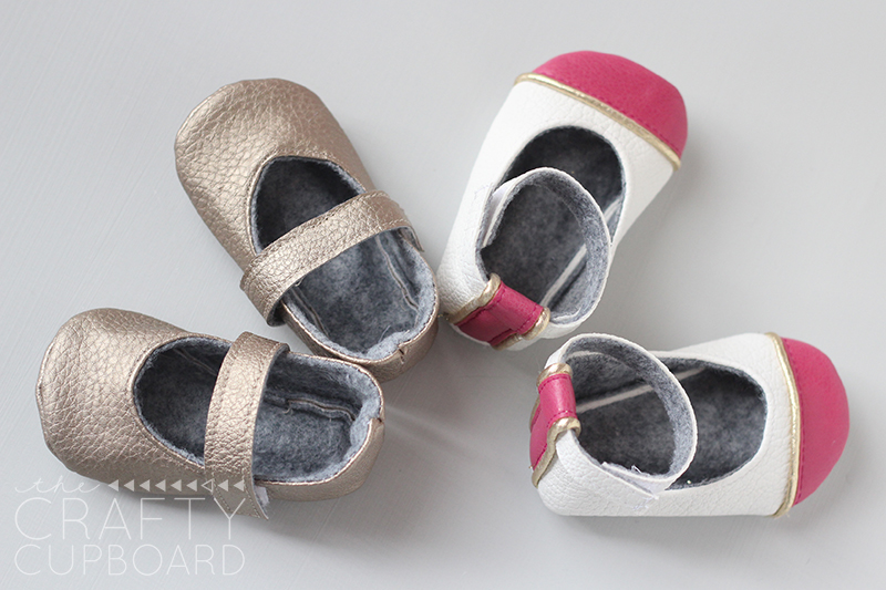 Natty Janes sewn by The Crafty Cupboard | Mabey She Made It #nestingtonewborns #babyshoes