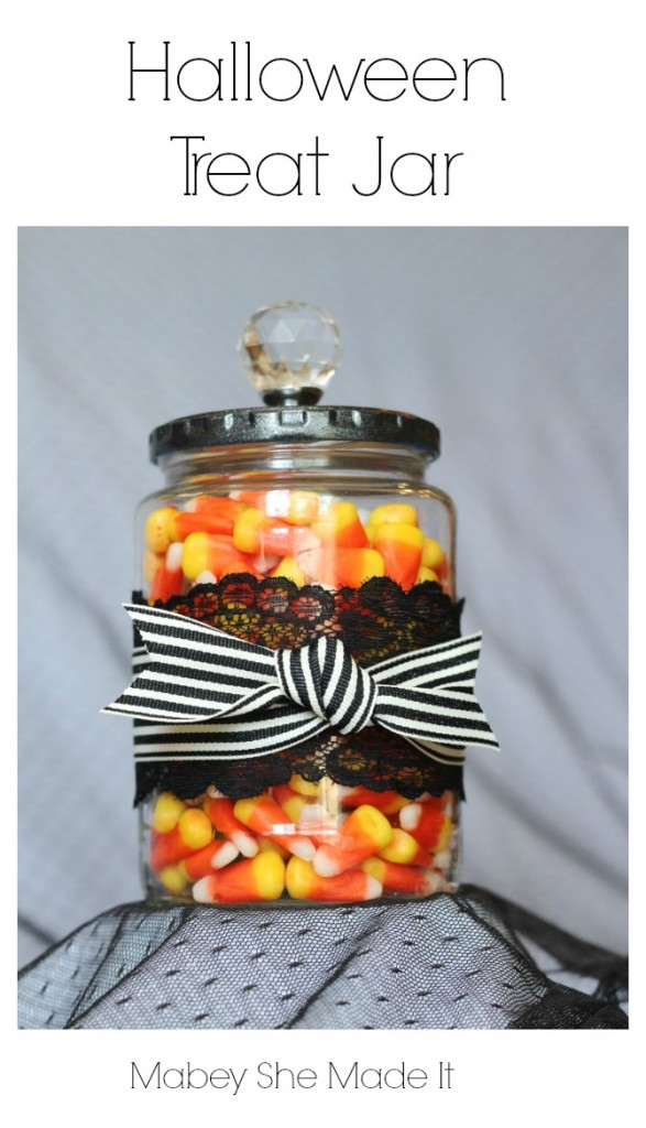 Halloween Treat Jar | Mabey She Made It | #halloween #halloweendecor #decor #masonjar #candycorn