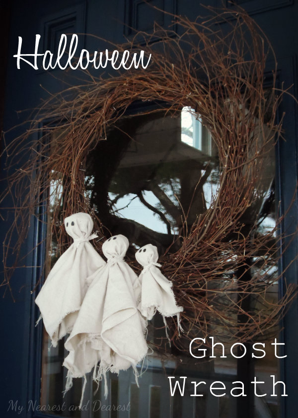 Drop-cloth-ghosts-Halloween-wreath.-