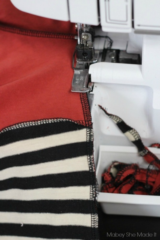 Gathered Back T-shirt Refashion   Mabey She Made It   #refashion #upcycle #womensfashion #fashion