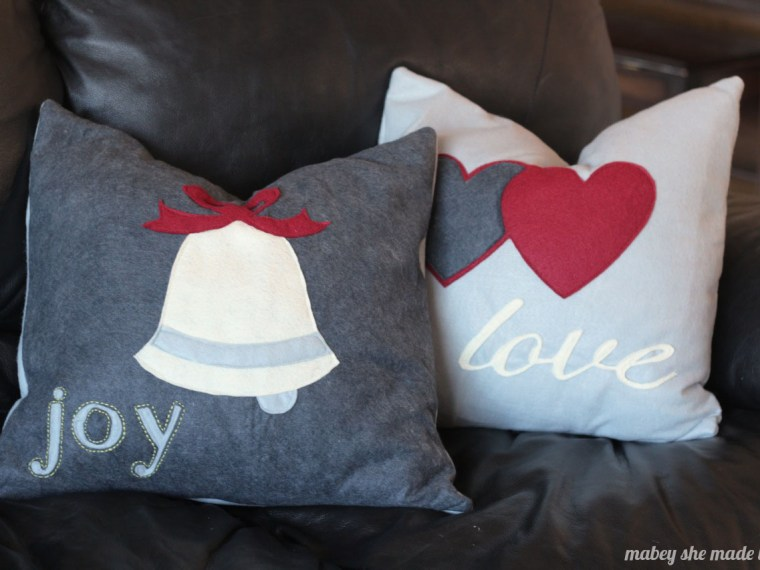 How to Make Christmas Felt Pillow Shams | Mabey She Made It | #christmas #pillowsham #homedecor #pillow