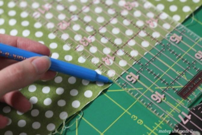 Pintucked canvas | Mabey She Made It | #sewing #pintucks #canvas #wallart