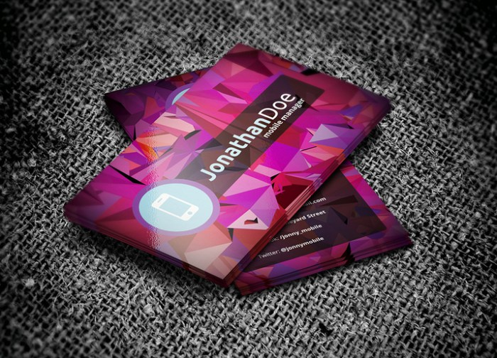 Creativemarket_Low_Poly_Business_Card_15369_cap01