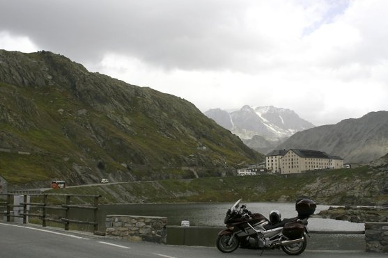 Col du Grand St-Bernard Pass 2469m im Sept. 08