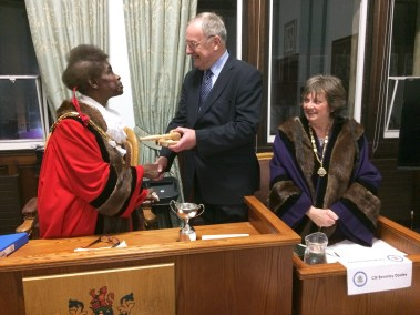 peter-nash-hands-over-gavel