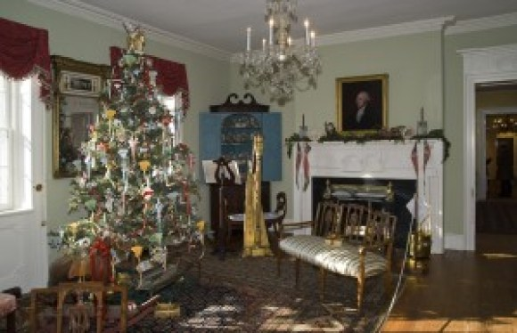Christmas at Macculloch Hall Historical Museum