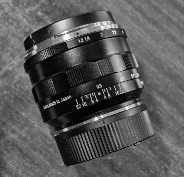 The Voigtländer is small and squat but has excellent ergonomics, including a 1/3-stop aperture ring and an unusual 150deg focus ring throw which brings added precision when using the widest apertures