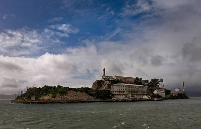 Alcatraz from the Ferry, X-T10  with 16mm