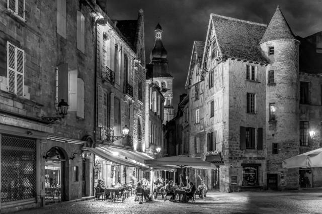 """""""Eating Out in the Dordogne"""", France (Leica SL with 16-35mm Vario Elmarit lens)"""