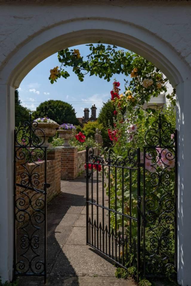 Inviting gates...