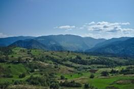 Bulgarien: Langsam nimmt die Landschaft südlichere Züge an