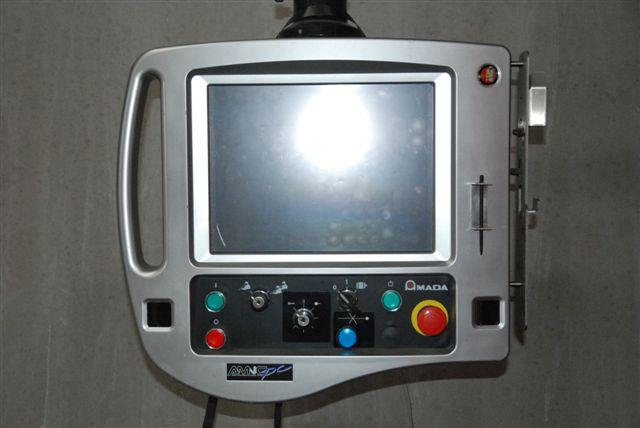 pressa piegatrice Amada HFP 130 il monitor di controllo