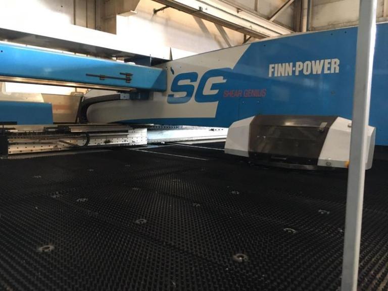 punzonatrice combinata Finn-Power SG6 usata del 2005 in vendita