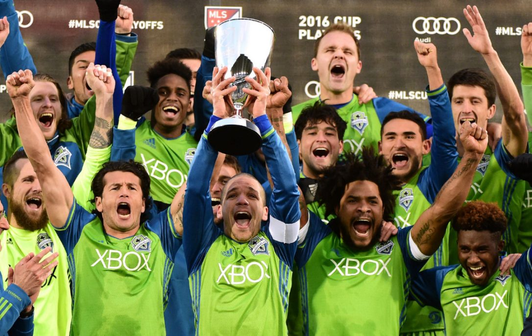 sounders-trophy