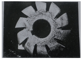 Cracks of slotting cutter material due to porosity during heat treatment