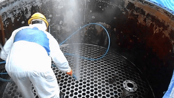 Application of water jet technology in industrial cleaning