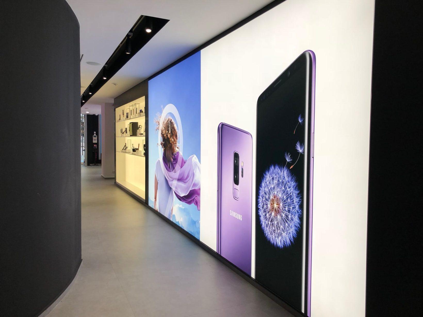 Samsung, uno showroom a due passi dal futuro Apple Store Champs-Élysées di Parigi