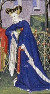 Blue robe tied with a red studded belt just below the breasts. Notice the big white collar and very wide sleeves, 1413