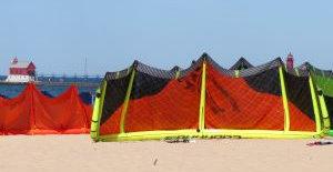 Kiteboarding kites on the beach