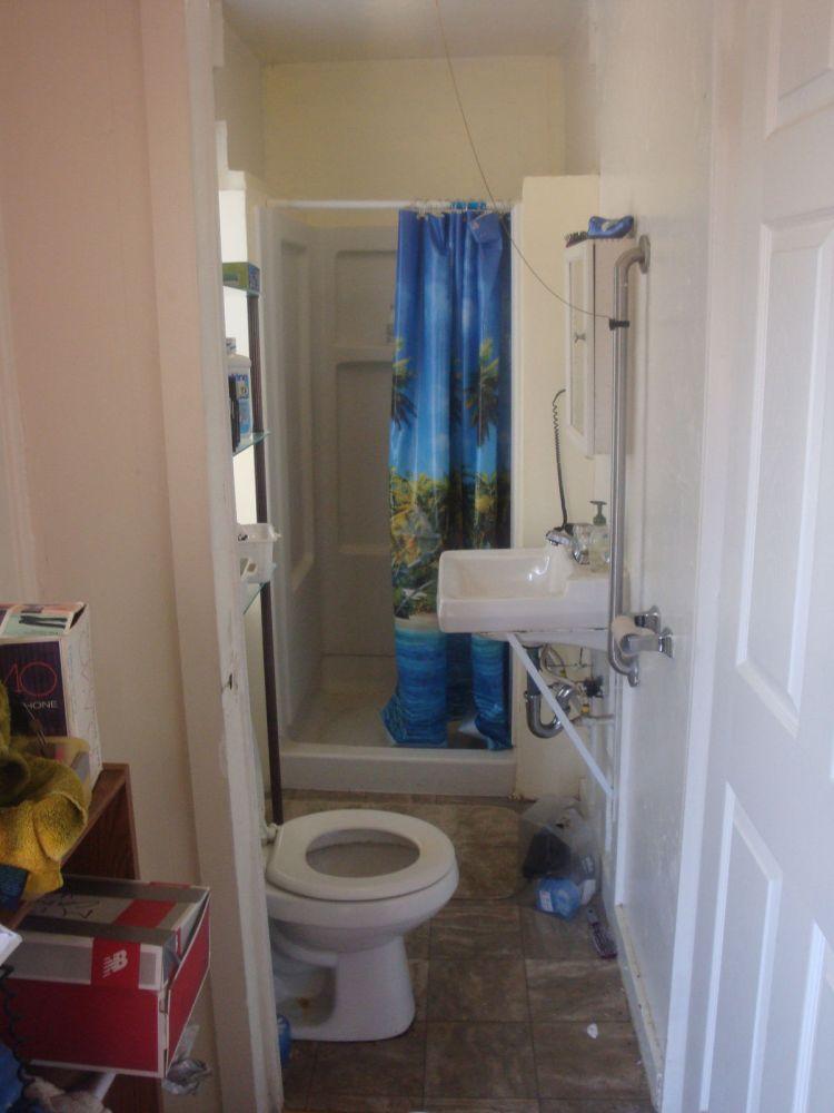 Rear Unit Bathroom