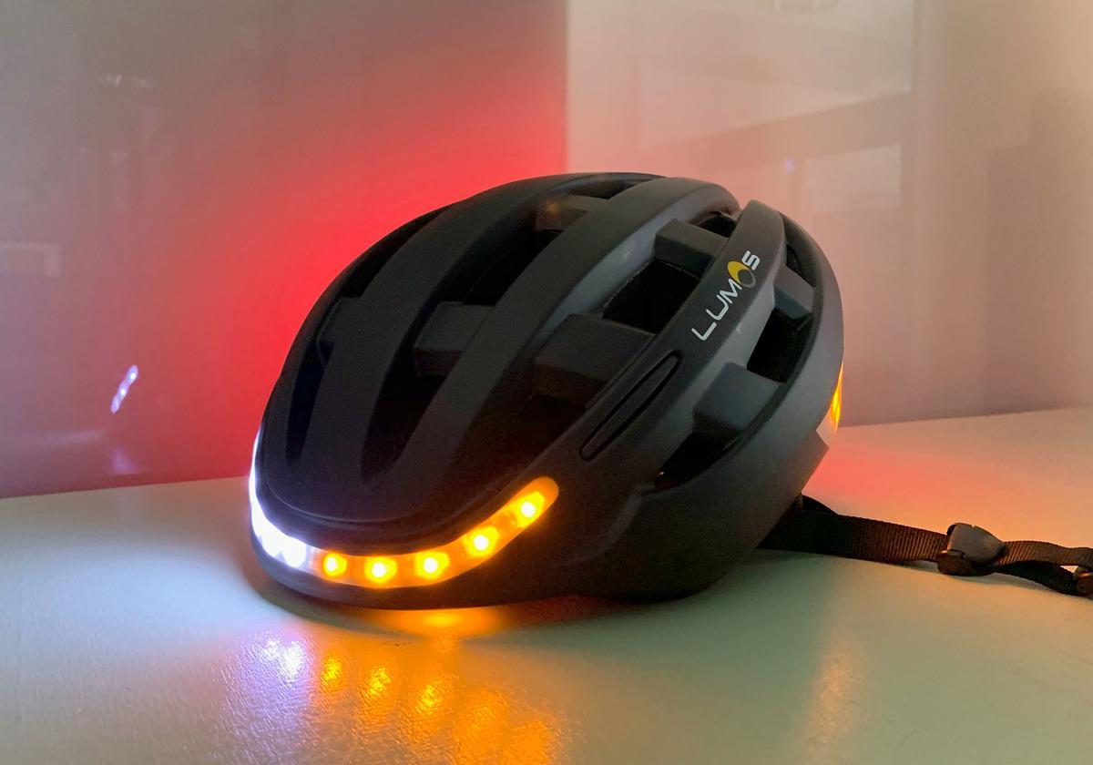 Lumos Kickstart Im Test Fahrradhelm Mit Licht Und Intelligenz Mac Life