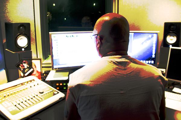Studio 048Sm
