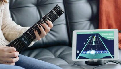FRETX on Your Guitar Shows You Where to Play - The Mac Observer