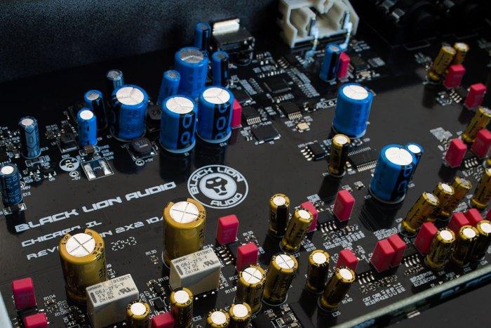 Black Lion Audio Revolution 2x2 - internal