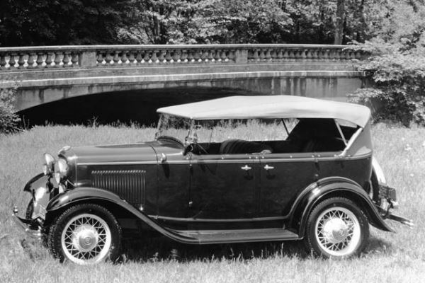 1932 Ford DeLuxe Phaeton top up