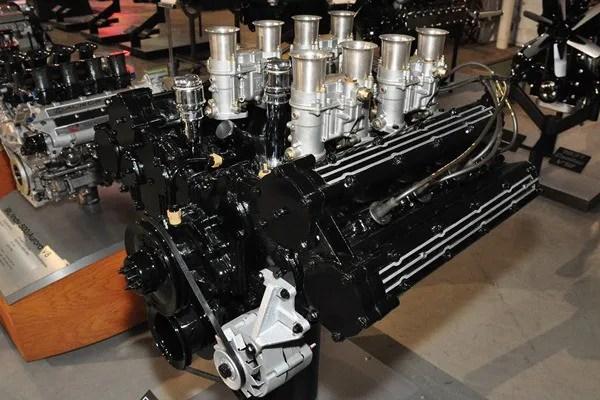 Oldsmobile experimental Quad Cam V8