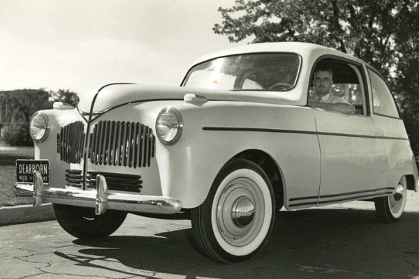 Lowell Overly with Ford soybean car