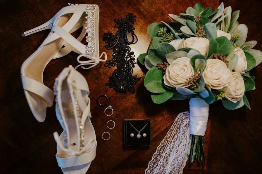 elopement detail shot